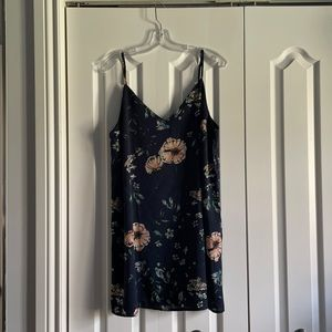 Spaghetti strap woven tunic mavy with flowers